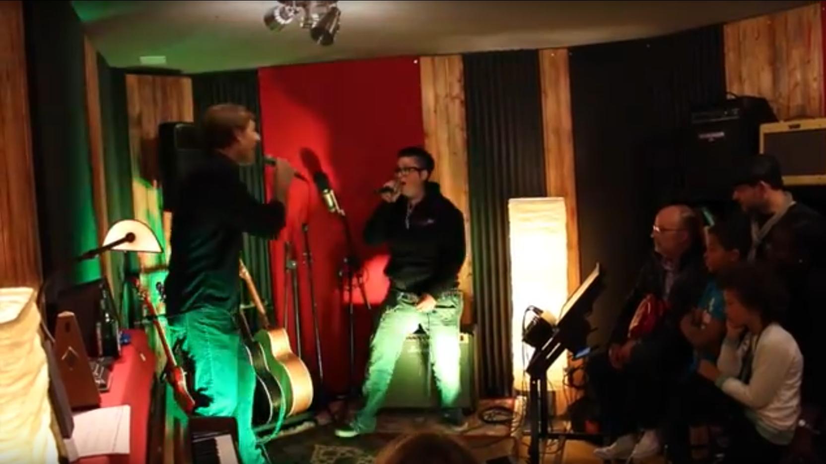 Karaoke Team Event Rockstar Music